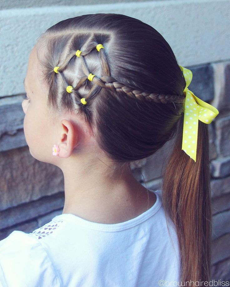 "2,316 curtidas, 22 comentários - ANGIE HAIR TUTORIALS (@brownhairedbliss) no Instagram: ""Elastics (another candy corn design!) with a braid into a side ponytail. Happy Friday!! """