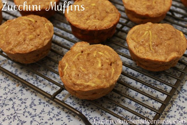 Zucchini MuffinsBananas Muffins, Eating Real Food, Creative Kitchens, Zucchini Courgette Bananas, Grains Zucchini Courgette, Favorite Muffins, Healthy, Easy Breakfast, Breads Muffins