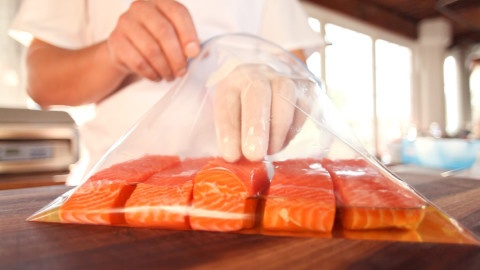 This simple recipe for sous vide cooked salmon loin demonstrates how you can easily use the principle of water displacement to package food using ziplock-style bags.