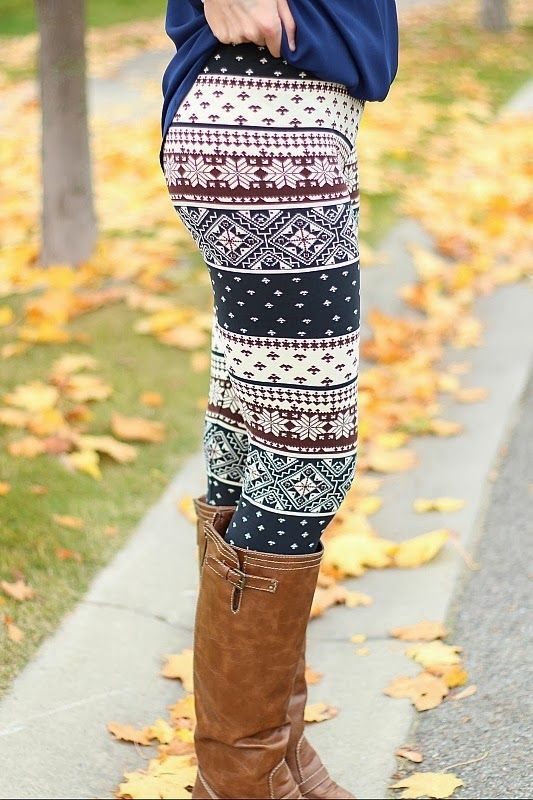 341807b010 Holiday Leggings with Boots, obsessed with these leggings ...