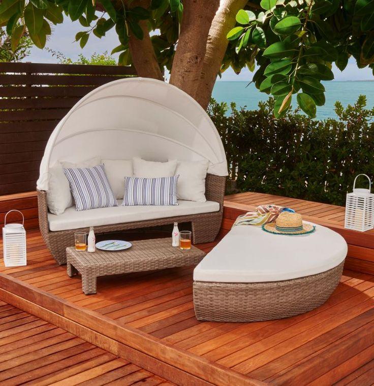Una cama como esta es lo que necesitamos este verano: ¡lo tiene todo! Junta sus dos mitades para relajarte o dormir la siesta, y sepáralas para disfrutar con los tuyos.