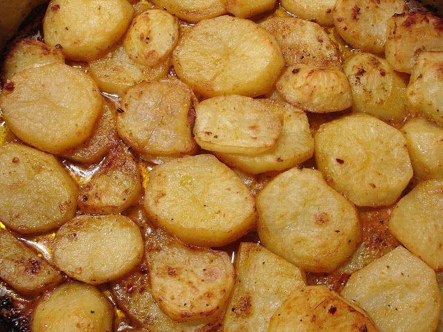 @Chef Alexios Nikoloutsopoulos: Πατάτες φούρνου με σάλτσα Pesto από λιαστή ντομάτα...