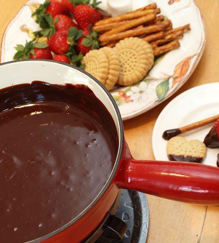 Chocolate fondue 1