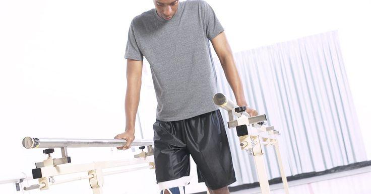 """Qual o melhor tipo de exercício para fortalecer a perna após fazer cirurgia no joelho?. O exercício costuma ser recomendado após a cirurgia no joelho para melhorar a mobilidade e fortalecer joelhos e pernas. De acordo com o artigo """"Total Knee Replacement Exercise Guide"""" (Guia de exercícios após substituição completa do joelho) da """"American Academy of Orthopaedic Surgeons"""" (Academia americana de cirurgia ortopédica), seu médico deve ..."""