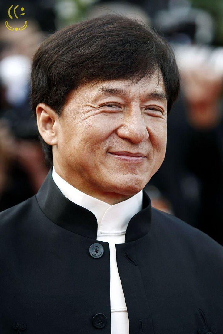 Jackie Chan diz ter vergonha do envolvimento do filho com drogas | Urandir | News