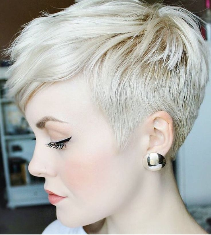 Side cut hairstyles · Undercut pixie More Más