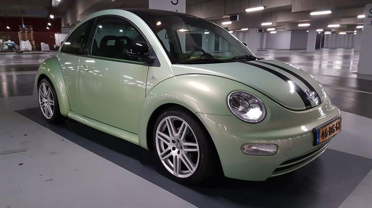 """Marjan z'n New Beetle. 25mm lower & 18"""" RS rimms"""