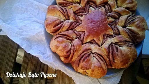 Ciasto drożdżowe z nutellą - gwiazda