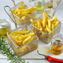 Want to make restaurant-style fries at home? Cut potatoes and soak in cold water for 30 minutes before frying. Add unique flavor by choosing a flavored oil, like garlic oil. Finally, fry potatoes in Philips AirFryer with just 1 TBLS oil for crispy fries with 70% less fat!