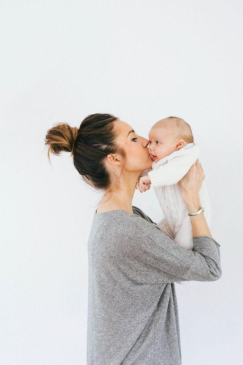 newborn kisses