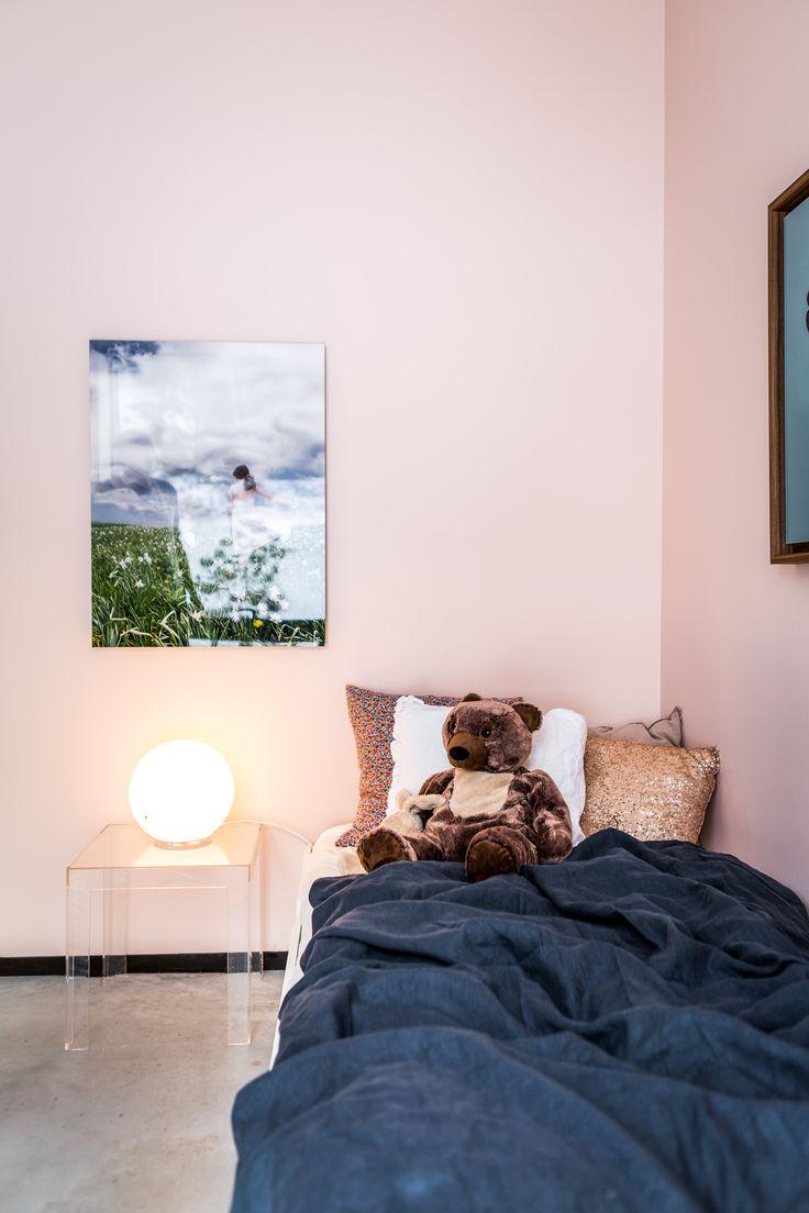 Wall Art Yellow Korner. Sheets Himla. Pillows from Himla and H&M Home. Glow Ball Ikea. Small Table Kartell. Bear Ikea.