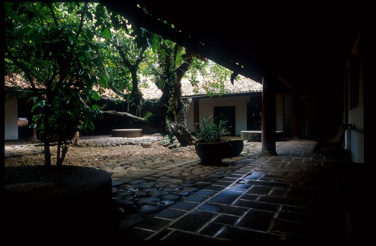Image 8 of 58 from gallery of Remembering Bawa. Ena de Silva House, Colombo by David Robson.. Image