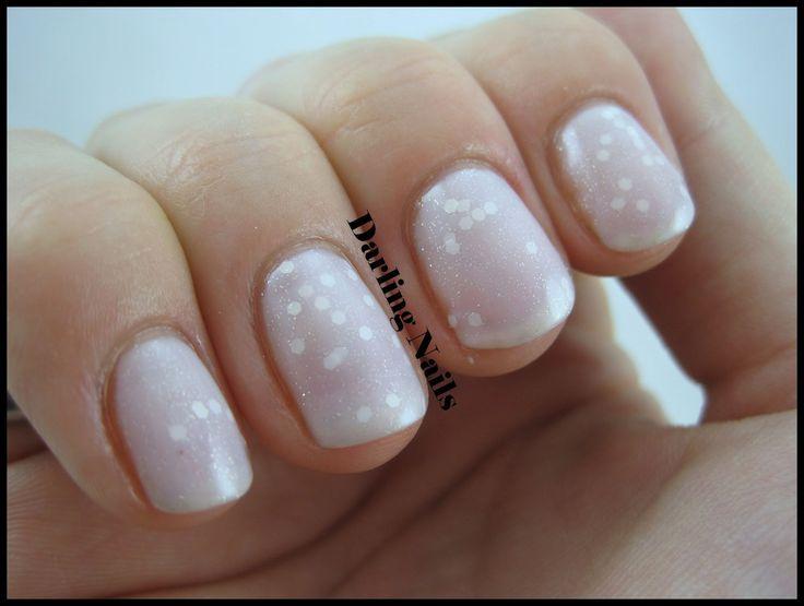 a really feminine jelly sandwich manicure