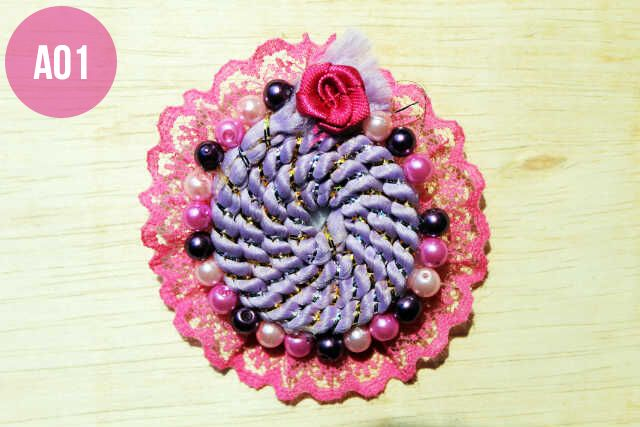 Bros Cantik bahan renda dengan hiasan tali spiral dan mate