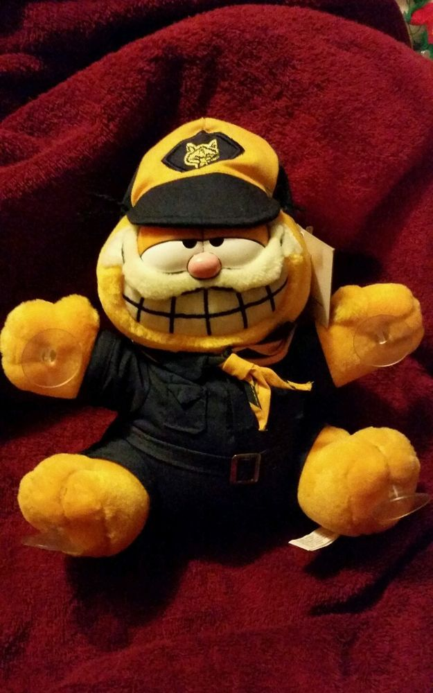VINTAGE GARFIELD OFFICIAL BOY SCOUT PLUSH MINT with HANG TAG! SHIPS FREE!
