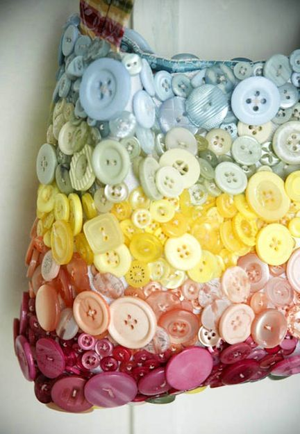 20 Craft Ideas With Buttons! I have a button obsession and would love to make this.