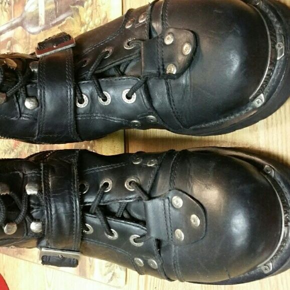 Mens Harley Boots Excellent condition.  Worn a few times. Authentic Harley Davidson  men's boots. Really nice ! Harley-Davidson Shoes Lace Up Boots