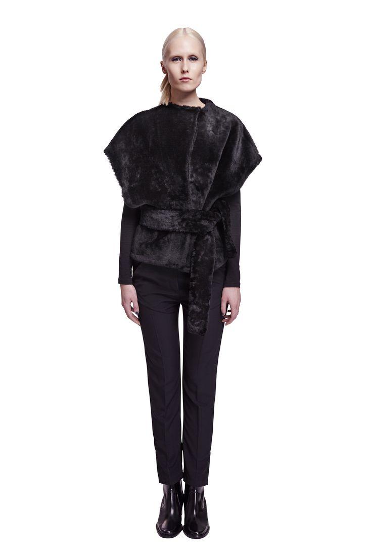 ONAR Ipek vest in black