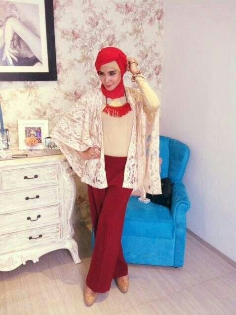 Outfit Zaskia Sungkar