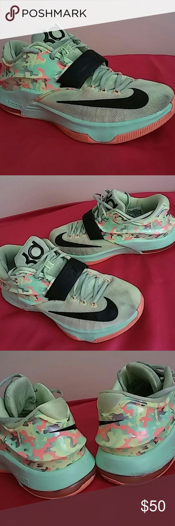 Nike Kd 7 Easter #653996 304 Shoes in awesome condition and shape. I will rate this at 8.5/10. Very well nicely taken care of. Might need just a little cleaning from the insoles. Nike Shoes Sneakers