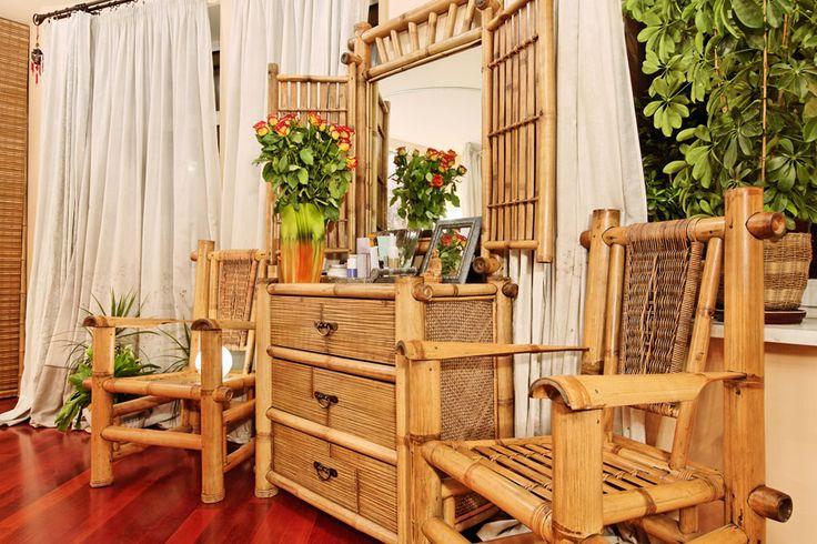 ***¿Cómo limpiar muebles de bambú?*** Los muebles de bambú son preciosos, pero se ensucian con facilidad, perdiendo su atractivo....SIGUE LEYENDO EN..... http://comohacerpara.com/limpiar-muebles-de-bambu_392h.html