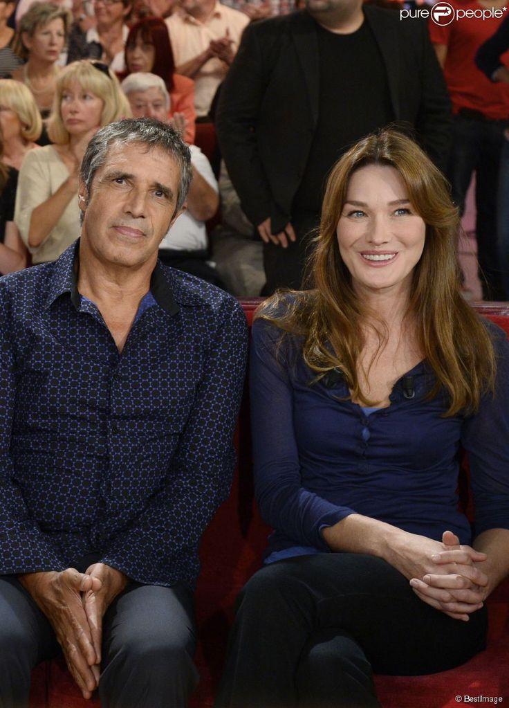 """Carla Bruni et Julien Clerc - enregistrement de """"Vivement dimanche"""" à Paris, le 24 septembre..."""