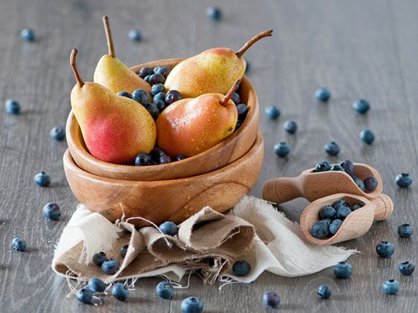 The blueberries in this breakfast crisp deliver antioxidants, as well as fiber and vitamin C; the pears are a good fiber source.