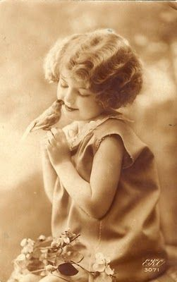 Beautiful vintage images - ideas and pretty little things - great blog!