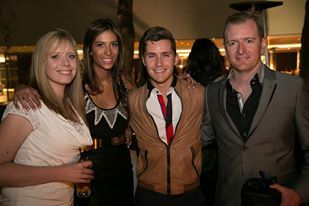 www.celebritygifting.co.za Taryn Treisman and Lauren from #celebritygifting and #socialbutterfly with #ConnellCruise and manager Andrew