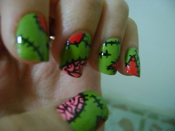 lets face it, zombie nails need brains....BRAINS!!Zombies Stitches, Cartoonstyl Zombies, Zombies Nails Art, Nails Art Zombies, Zombienailsjpg 600450, Nails Design, Undead Nails, Green Nails, Halloween