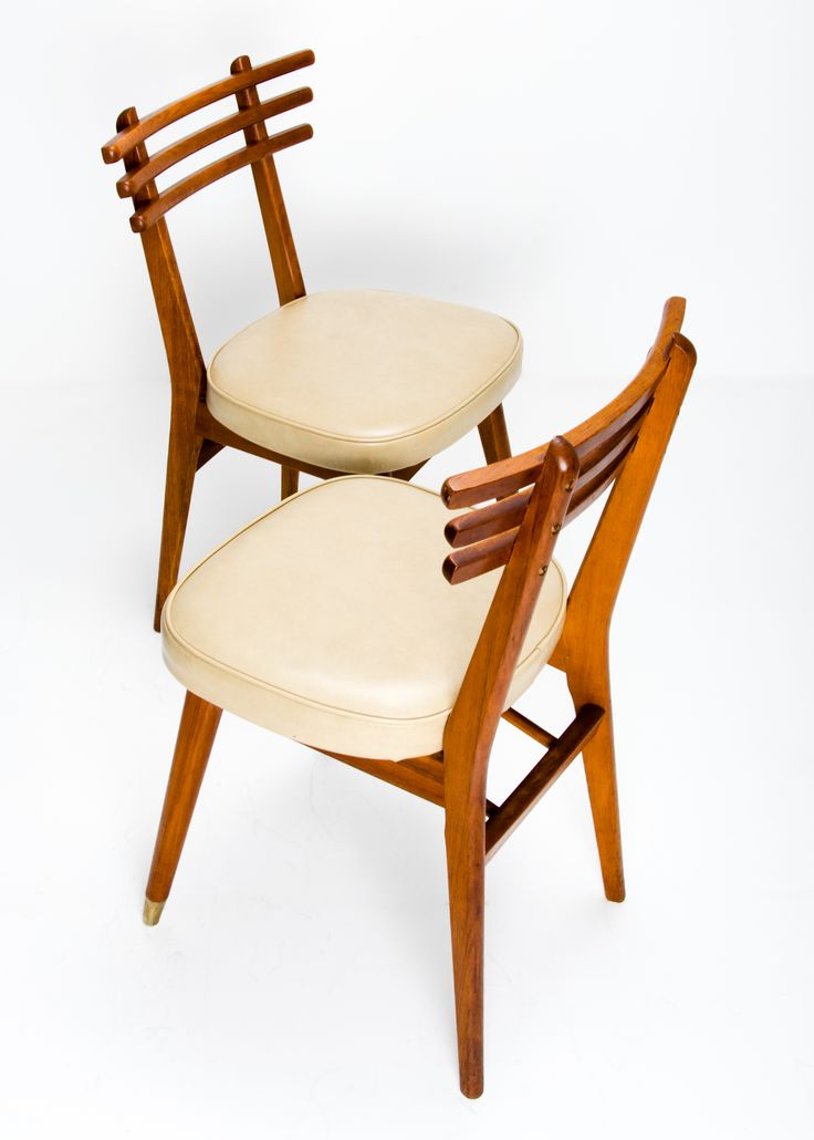 Set of four 1950s Danish Modern style ladder back dining chairs by T.H. Brown & Sons, undoubtedly influenced by Poul M. Volther's J48 (1951), though the graduated crosspieces give a form reminscent of a Torii, (Japanese Gate).