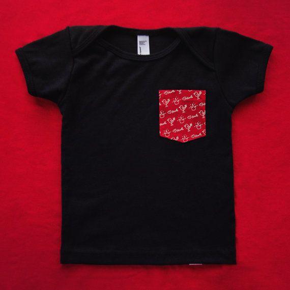 T-shirt NOIR à poche ROUGE Jaws le chat / 12-18 mois par JawsLeChat