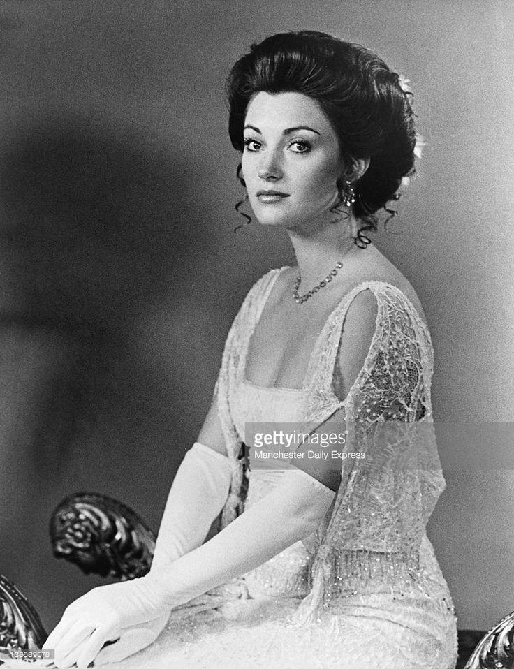 64 best Jane Seymour images on Pinterest | Jane seymour ...