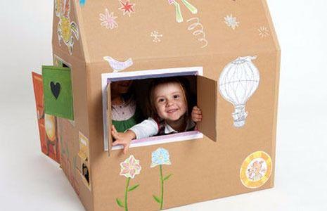 """◕ ◔ ◐ ◑ ◒ ◓ ◑ ◒ ◓ Вы о таком еще не слышали!!! Домик из картона своими руками  Каждый ребенок мечтает о своем собственном уютном крохотном домике, в котором можно играть, отдыхать или прятаться. В детских магазинах игровые домики ребятишек приводят в полный восторг. И начинаются уговоры, мольбы и слезы: """"Купи!"""" Бесспорно, такие домики, вещь хорошая и полезная, но далеко не всем они по карману. А малыш просит дом...  Как украсить домик из картона  1. Можно взять старые открытки или картинки…"""
