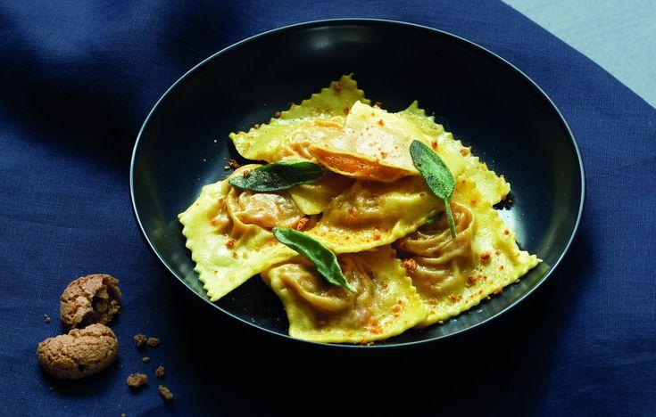 Ravioli con zucca, amaretti e mostarda