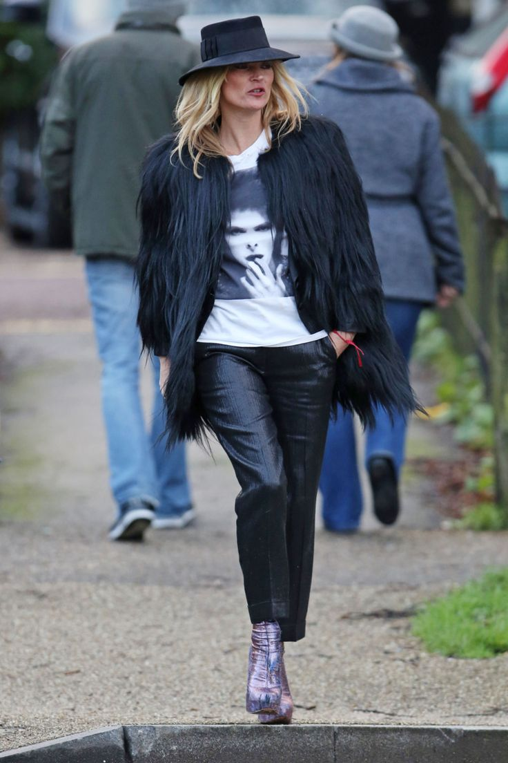 Kate Moss Knows Exactly How to Memorialize David Bowie