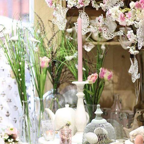 Zajkovia vtáčiky čerešňové konáre bahniatka a plno svietnikov. Aj to je Veľká noc u nás.  #kvetysilvia #kvetinarstvo #kvety #green #love #instagood #cute #follow #photooftheday #beautiful #tagsforlikes #easter #like4like #nature #style #nofilter #pretty #flowers #design #awesome #spring #home #handmade #flower #summer #interior #floraldesign #floral #naturelovers #picoftheday