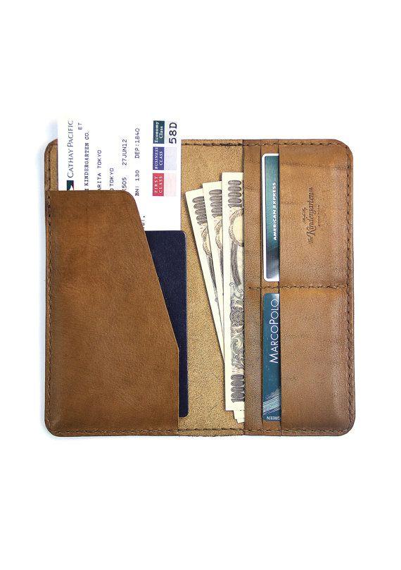 Leather Travel Wallet / Leather Passport  Wallet - The Kindergarten Co. TKC. $80,00, via Etsy.