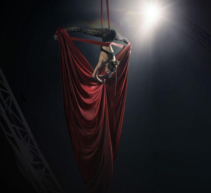 MARTA // copyrighted GIACOMO BIAGI   #tessuti #aerei #air #dance #freestyle #circo #red #silk