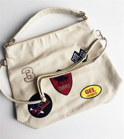 Bayan suni deri krem rengi spor omuz çantası modelleri en ucuz fiyatlarıyla kapıda ödeme ve taksit ile Outlet Çarşım'da.