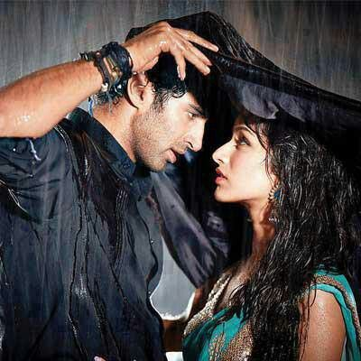 Aditya Roy Kapur and Shraddha Kapoor in Movie Aashiqui 2.