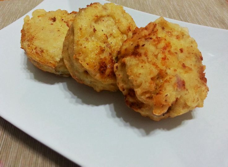Frittatine di pasta http://www.lovecooking.it/antipasti-e-contorni/frittatine-di-pasta/