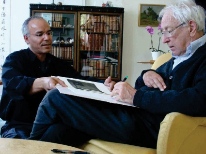 Photo of the artist, Modhir Ahmed, with Swedish poet Tomas Transtromer