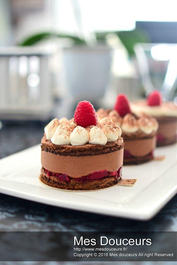 Dessert individuel chocolat framboise et sa chantilly à la fève de tonka