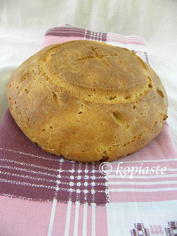 Crusty Cypriot Bread / Zymoto psomi