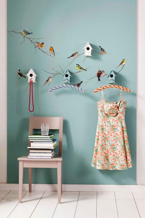 Väggdekor fåglar, självhäftande och fäster enkelt på slät yta, storlek 50x70 cm. <br><br>