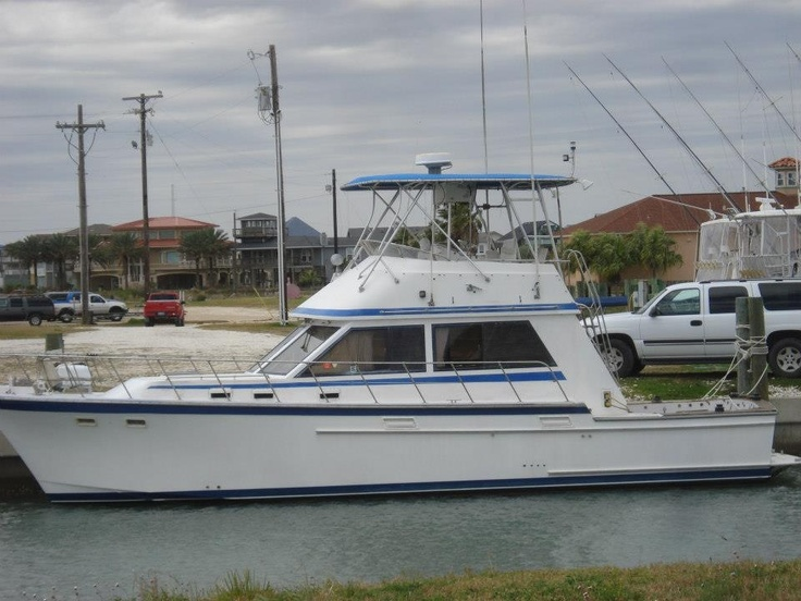 Jefferson Convertible Sport Fishing Boat available for fishing charters. captrob@texasfinsandfeathers.com