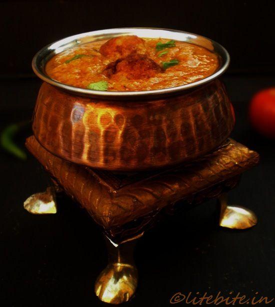Malai Koftas..an authentic Indian dish with mashed potato and cottage cheese!  http://litebite.in/easy-malai-koftas-indian-curry/  @Sanjeeta kk Lite Bite #recipe #Indian #curry
