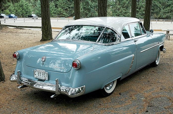 1952 Ford Crestline Victoria. See more at: http://fiftiesweb.com/cars/ford/