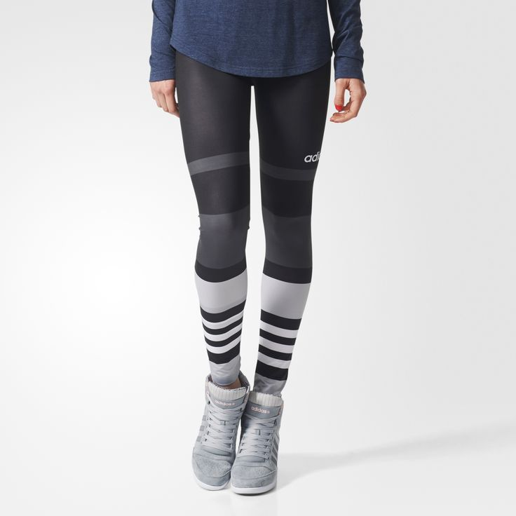 Orné de bandes en colorblock sur les jambes, ce legging confortable filles affiche une coupe stretch et des couleurs contrastées. 3 bandes sont intégrées au motif au niveau des mollets.